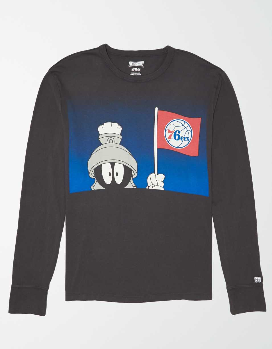 Tailgate Men's Philadelphia 76ers x Looney Tunes Long Sleeve T-Shirt