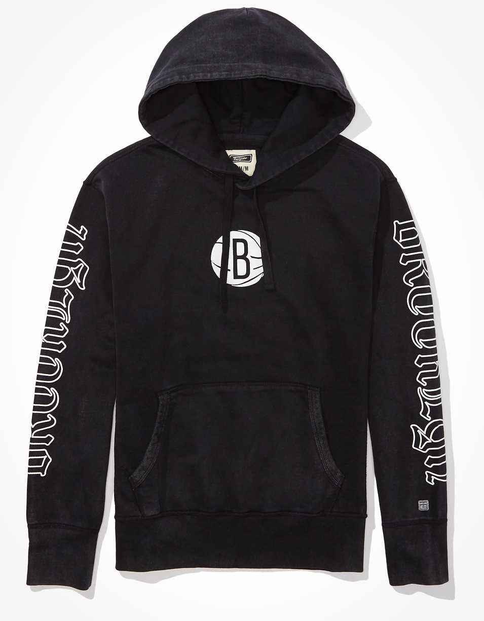Tailgate Men's Brooklyn Nets Old English Graphic Hoodie