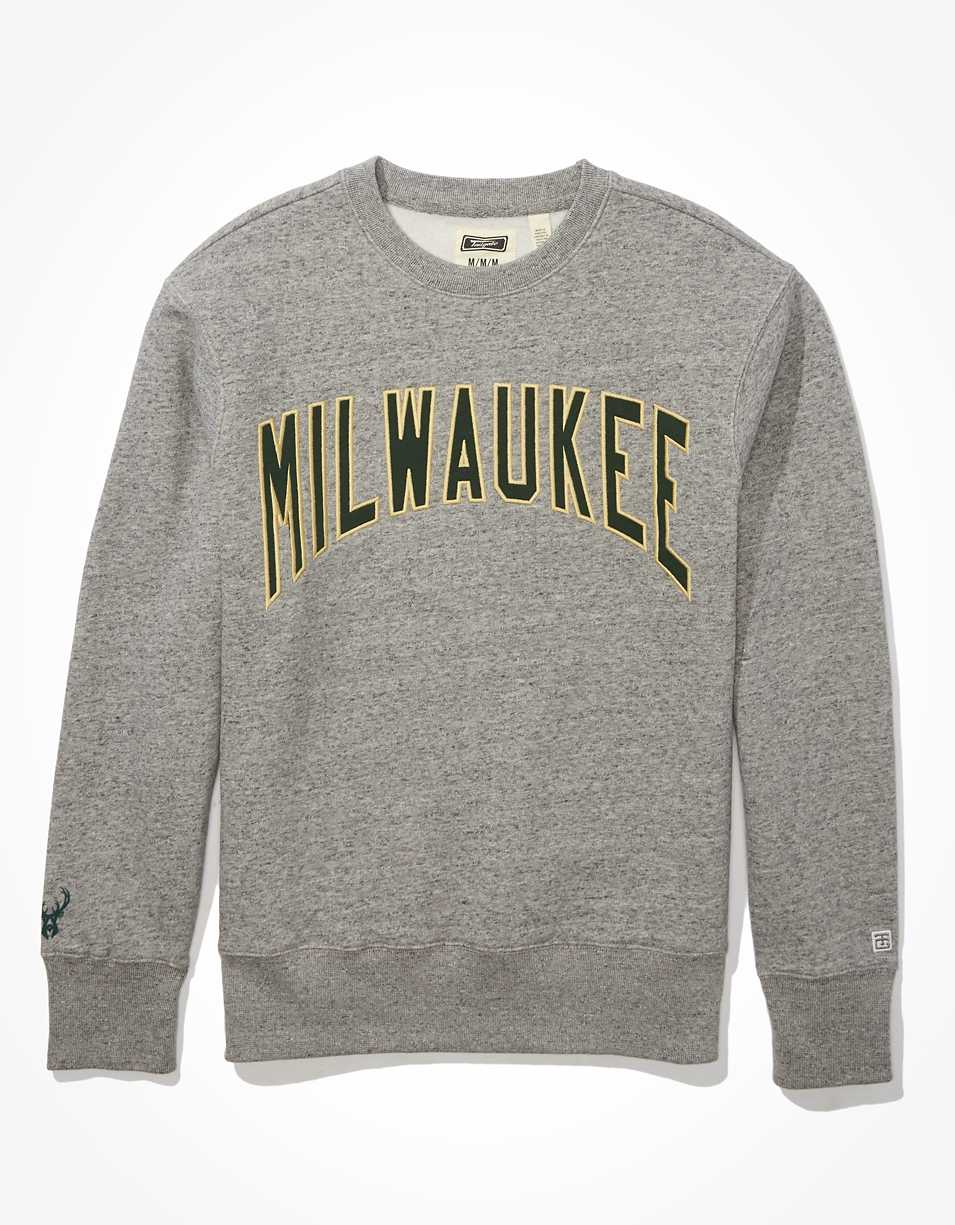 Tailgate Men's Milwaukee Bucks Fleece Sweatshirt