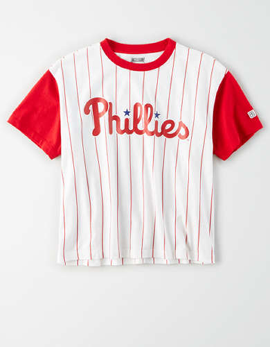 Tailgate Women's Phillies Cropped Pinstripe T-Shirt