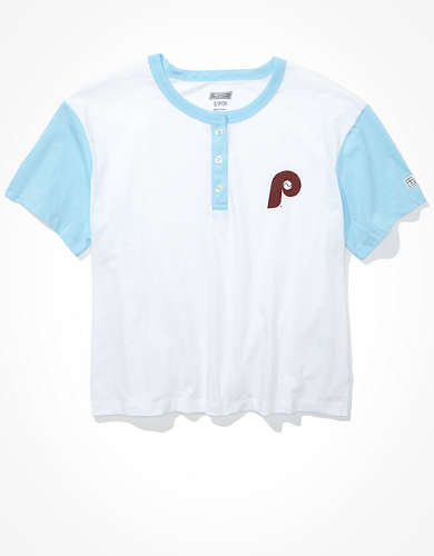 Tailgate Women's Philadelphia Phillies Cropped Henley