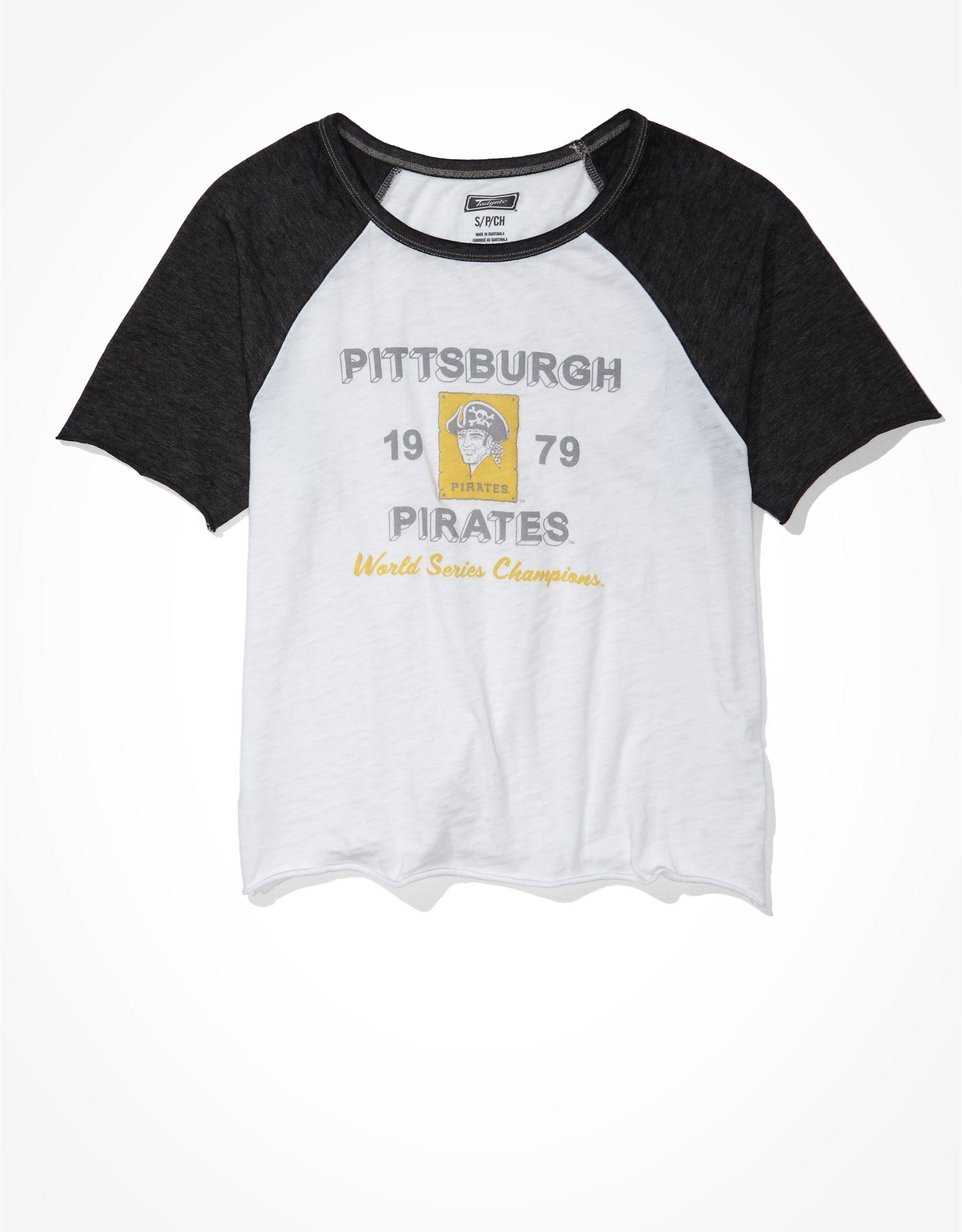 Tailgate Women's Pittsburgh Pirates Cropped Raglan T-Shirt