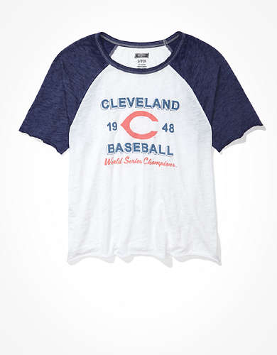 Tailgate Women's Cleveland Indians Cropped Raglan T-Shirt