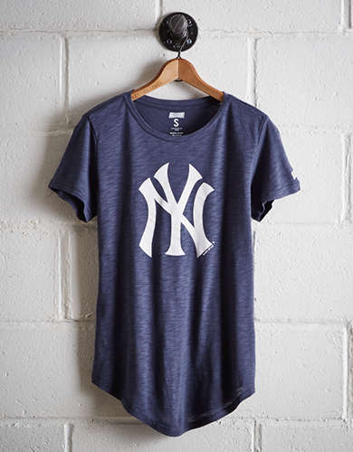 Tailgate Women's New York Yankees T-Shirt - Free Returns