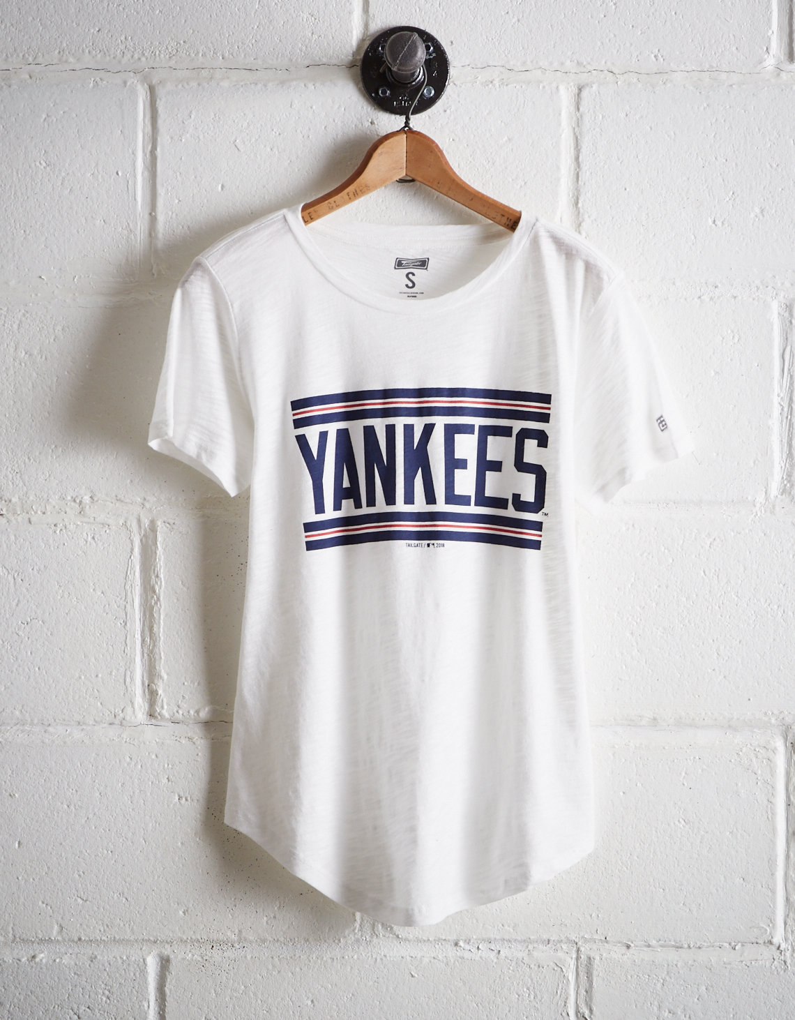 Tailgate Women s New York Yankees T-Shirt. Placeholder image. Product Image ea1ca24929f