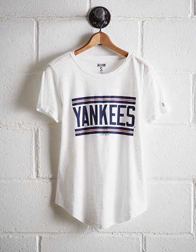 Tailgate Women's New York Yankees T-Shirt - Buy One Get One 50% Off