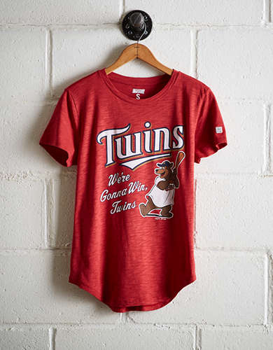 Tailgate Women's We're Gonna Win Twins T-Shirt - Buy One Get One 50% Off