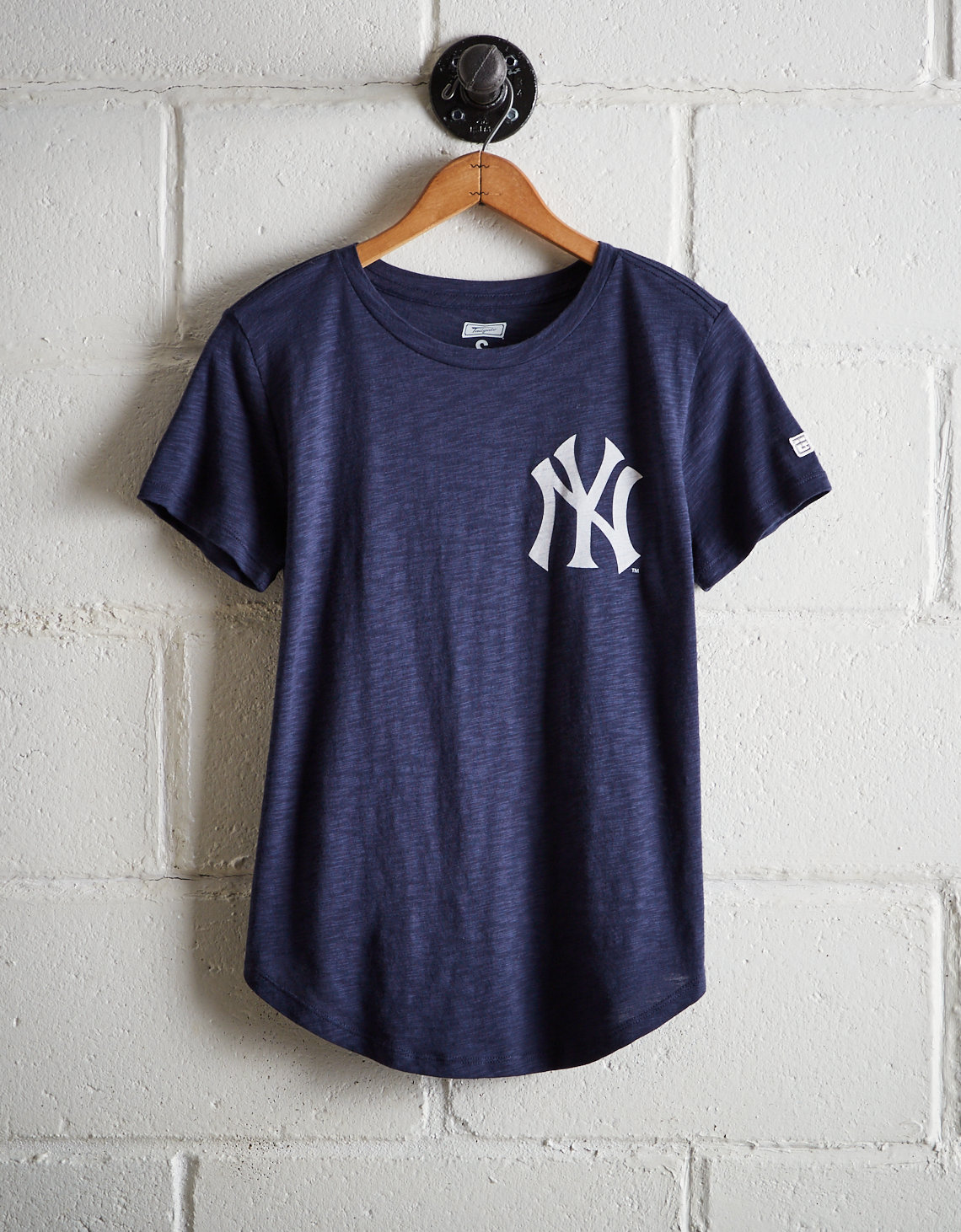 42089cbe Tailgate Women's Yankees No Crying In Baseball T-Shirt