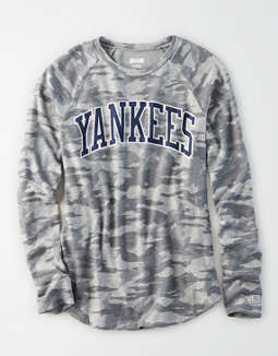 Tailgate Women's NY Yankees Plush Camo Shirt