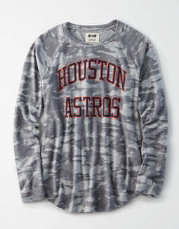 Tailgate Women's Houston Astros Plush Camo Shirt