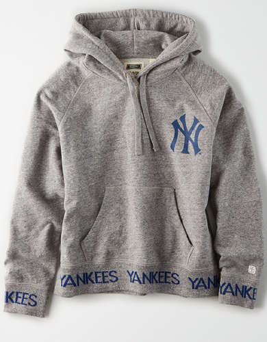 Tailgate Women's New York Yankees Pullover Hoodie
