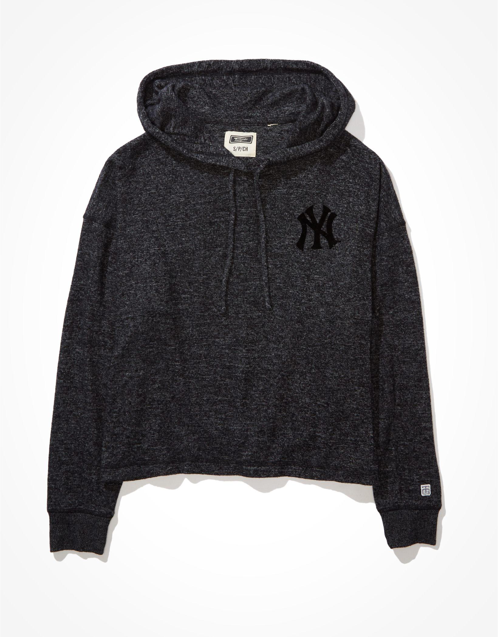 Tailgate Women's New York Yankees Plush Hoodie