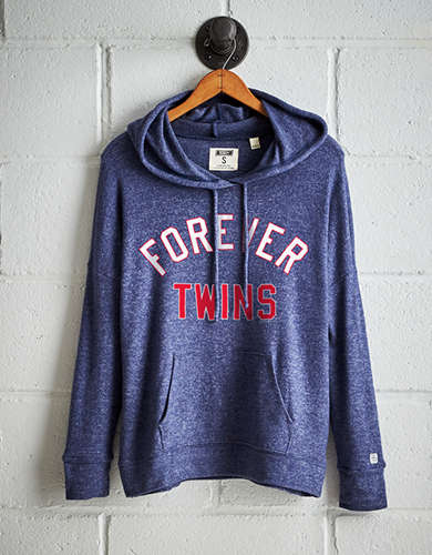 Tailgate Women's Minnesota Twins Plush Hoodie - Free Returns