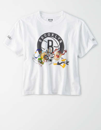 Tailgate Women's Brooklyn Nets x Looney Tunes Cropped T-Shirt