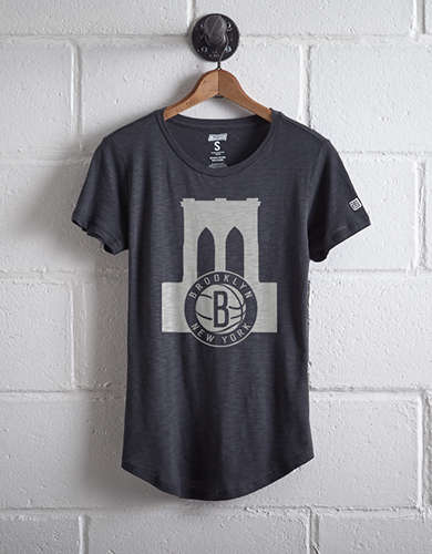 Tailgate Women's Brooklyn Bridge T-Shirt - Free shipping & returns with purchase of NBA item