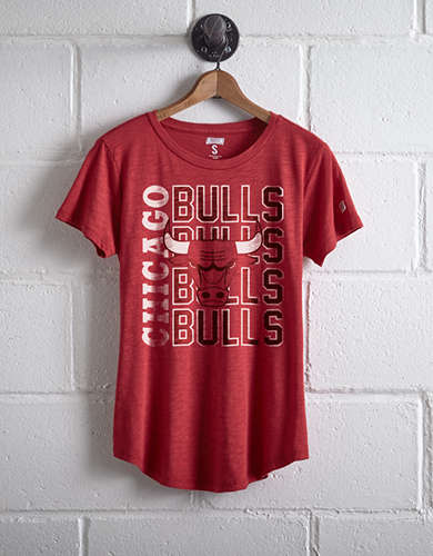 Tailgate Women's Bulls Repeating T-Shirt - Free shipping & returns with purchase of NBA item