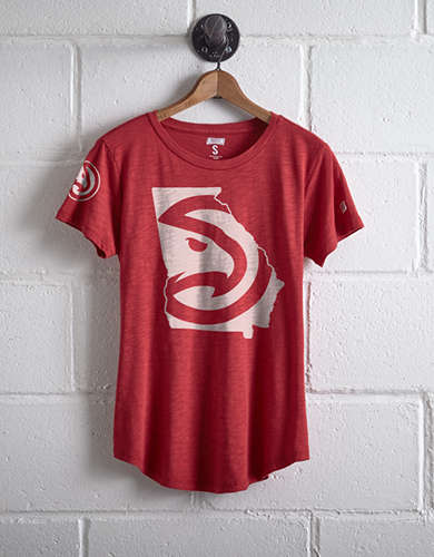 Tailgate Women's Atlanta Hawks Logo T-Shirt - Free shipping & returns with purchase of NBA item