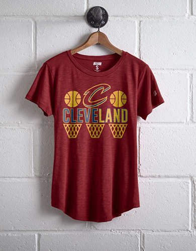 Tailgate Women's Cleveland Hoops T-Shirt - Free Returns