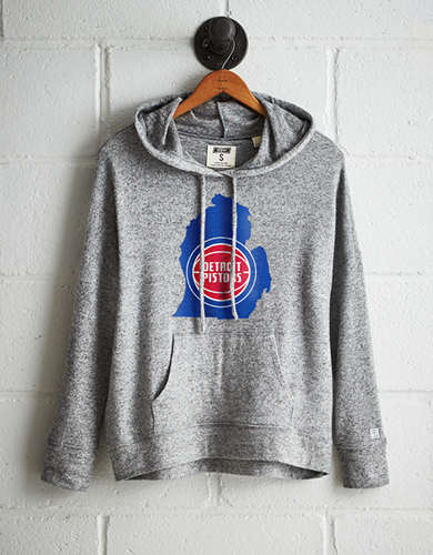Tailgate Women's Detroit Pistons Plush Hoodie - Free returns