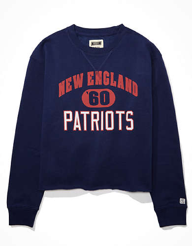 Tailgate Women's New England Patriots Cropped Sweatshirt