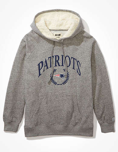 Tailgate Women's New England Patriots Sherpa Lined Hoodie
