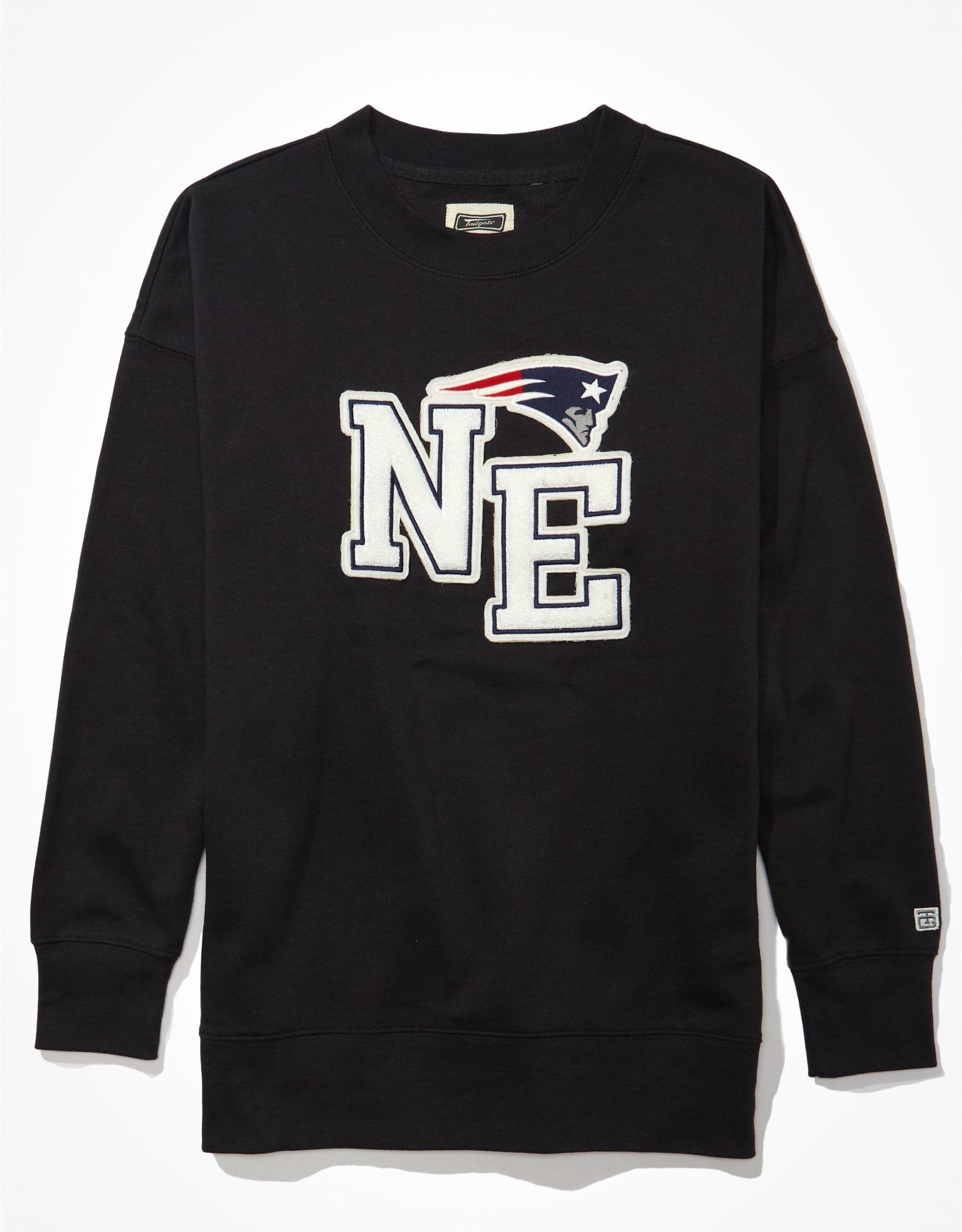 Tailgate Women's New England Patriots Oversized Sweatshirt