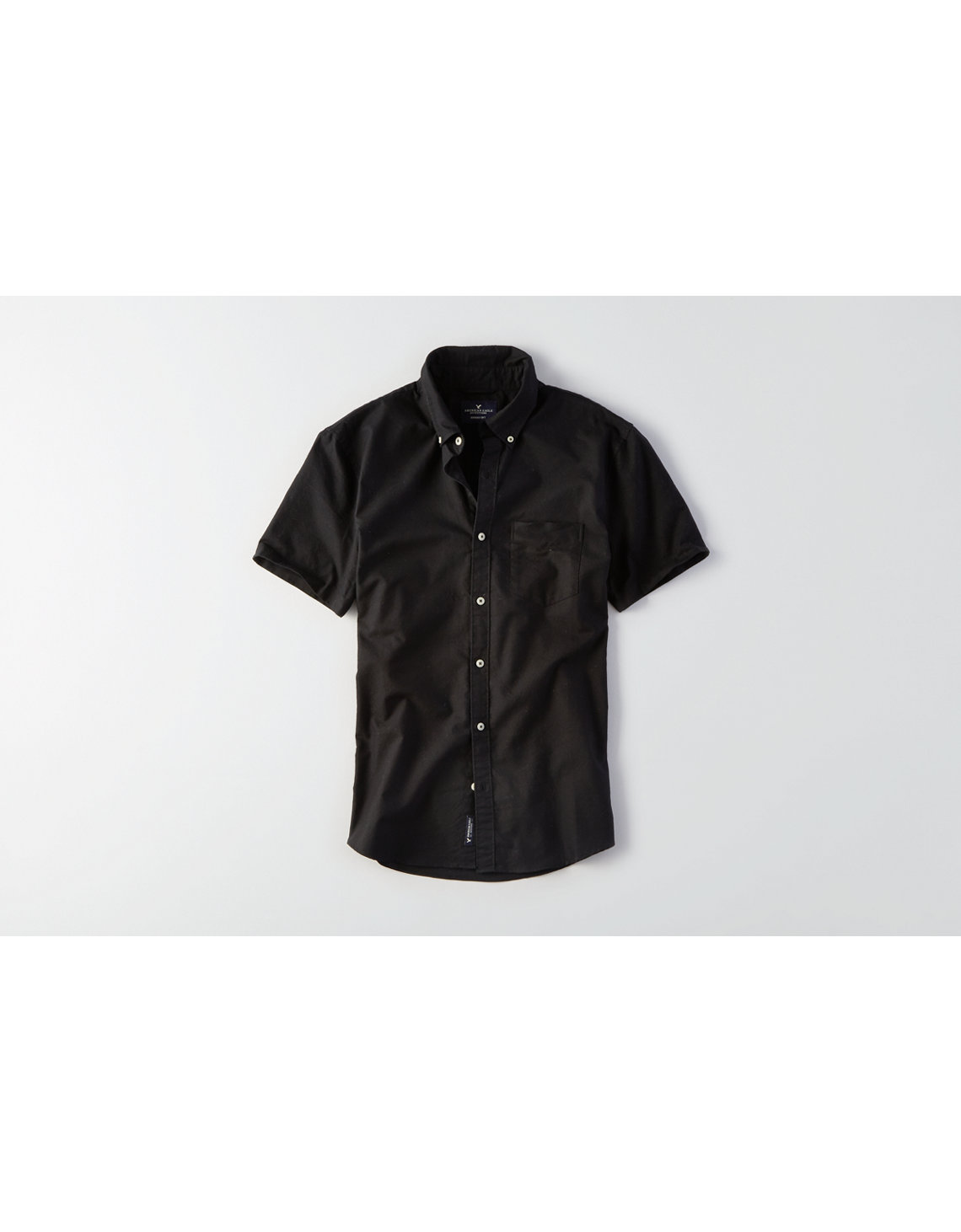 AEO Solid Short Sleeve Oxford Shirt, Black | American Eagle Outfitters