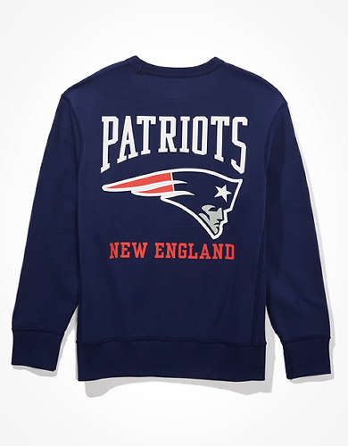 Tailgate Men's NE Patriots Graphic Fleece Sweatshirt