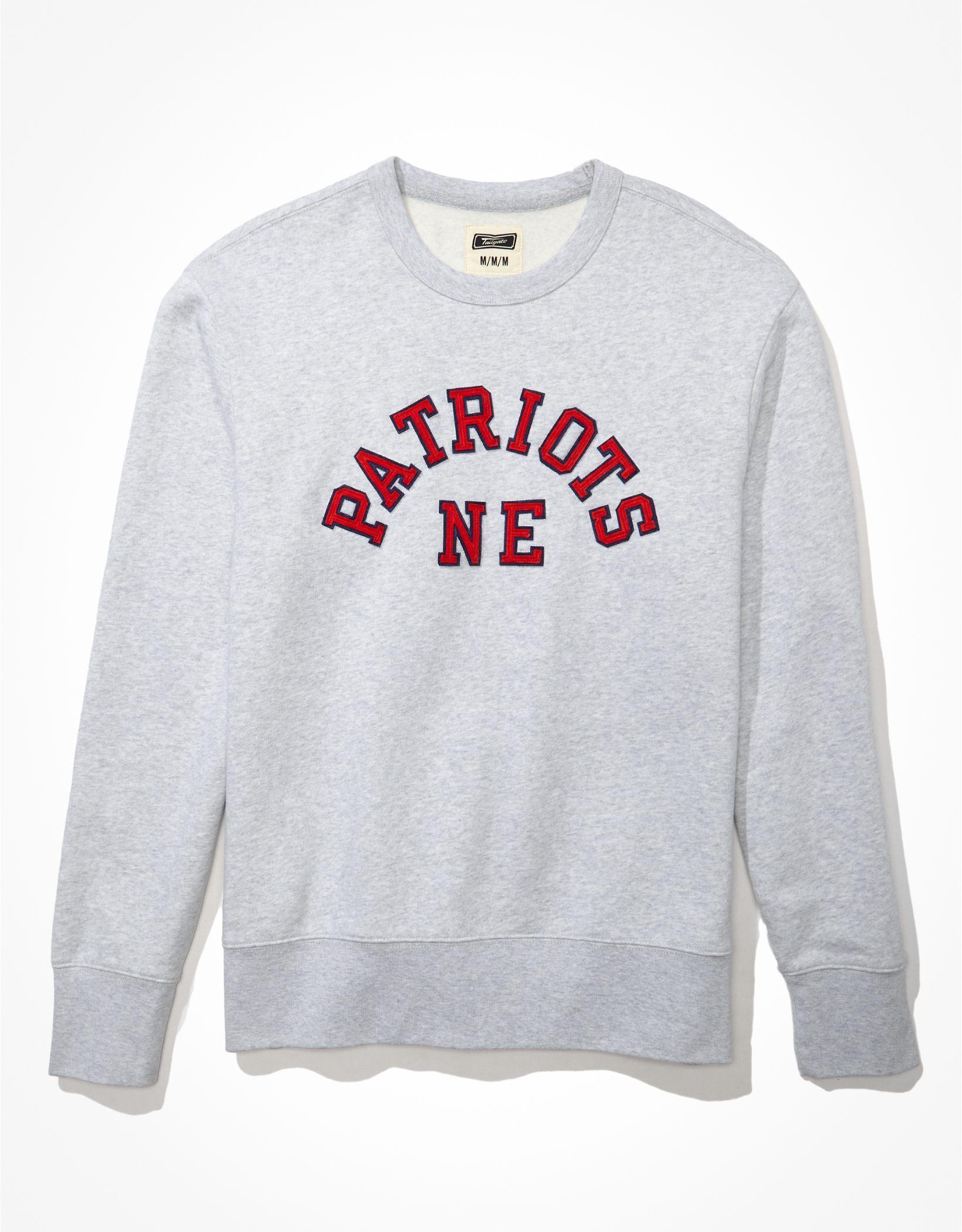 Tailgate Men's New England Patriots Fleece Crew Neck Sweatshirt