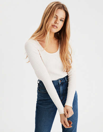 AE Long Sleeve Scoop Neck T-Shirt