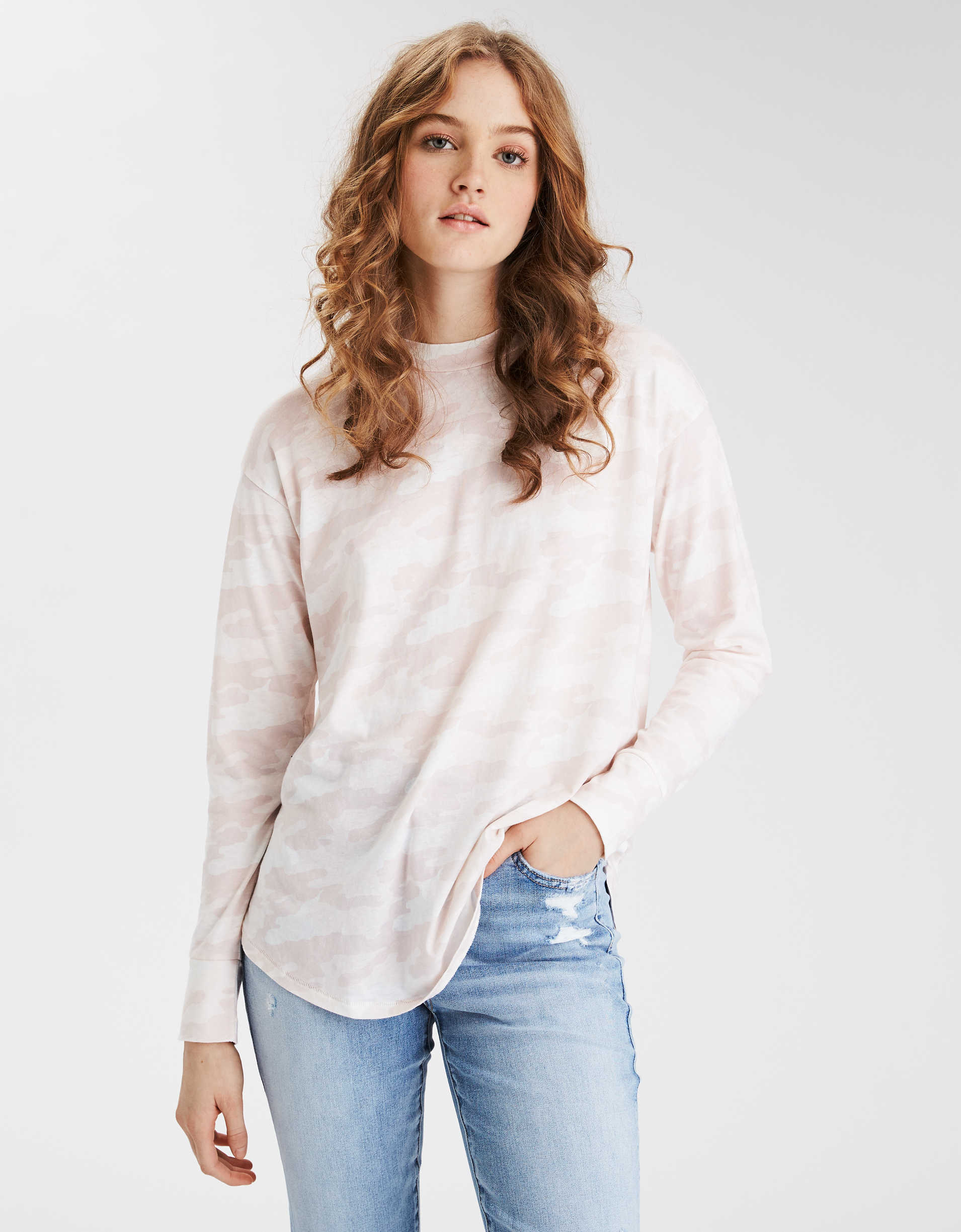 AE Oversized Long Sleeve Crew Neck T-Shirt