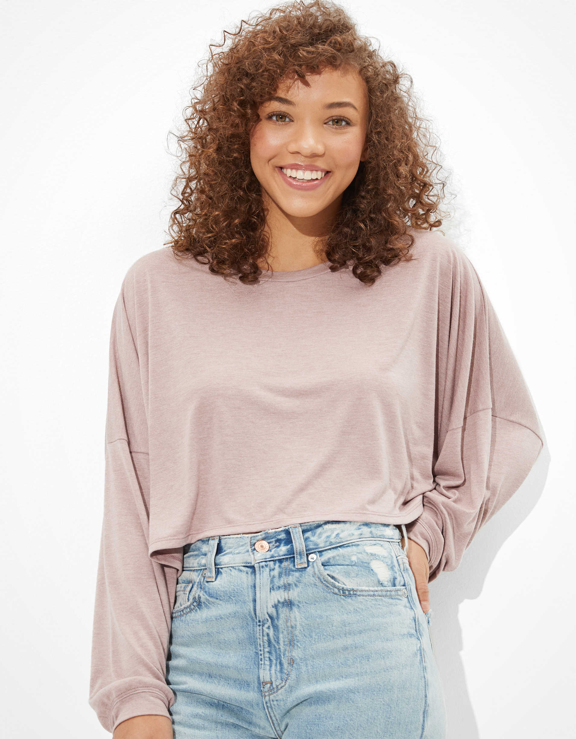 AE Cropped Long Sleeve Crew Neck T-Shirt