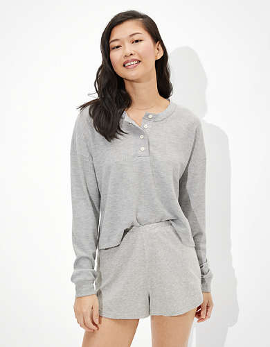 AE Cropped Long-Sleeve Henley T-Shirt