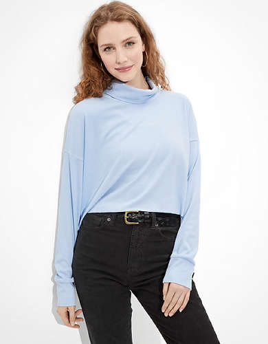 AE Cropped Long Sleeve Mock Neck T-Shirt