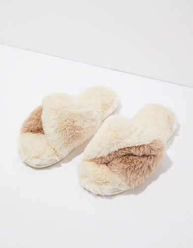 AE Fluffy Twist Slipper