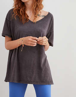 Aerie Distressed V-Neck Boyfriend T-Shirt