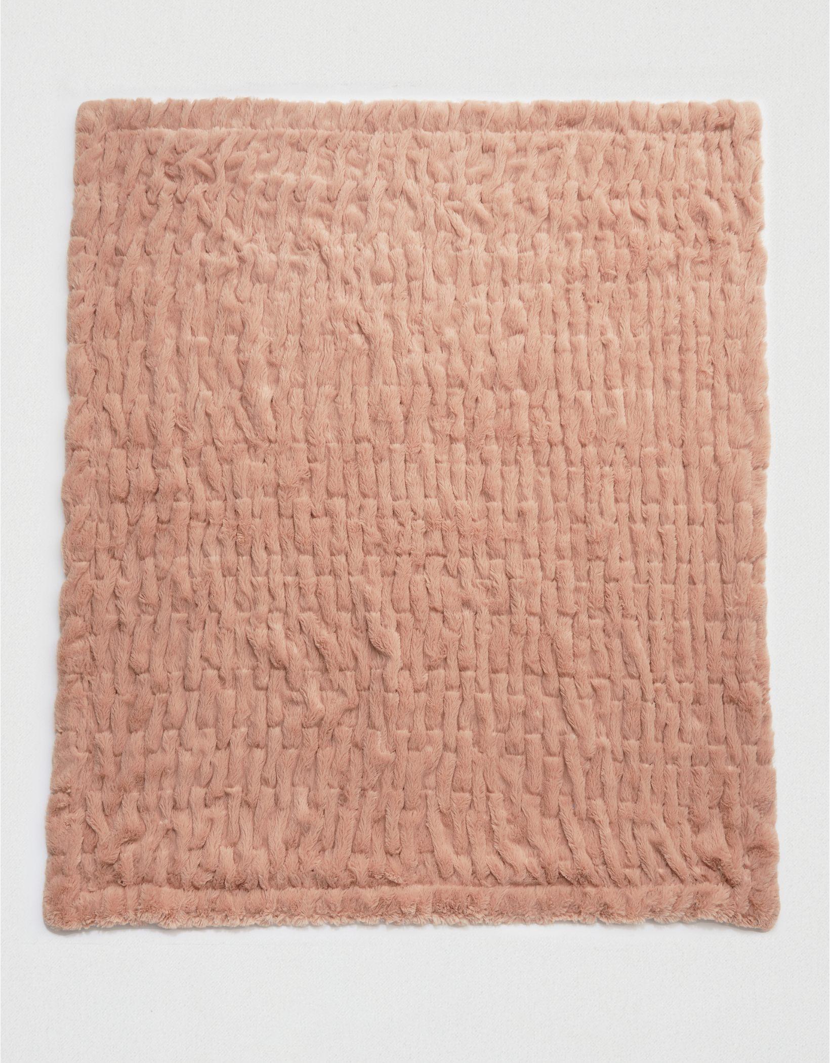 Sculped Throw Blanket