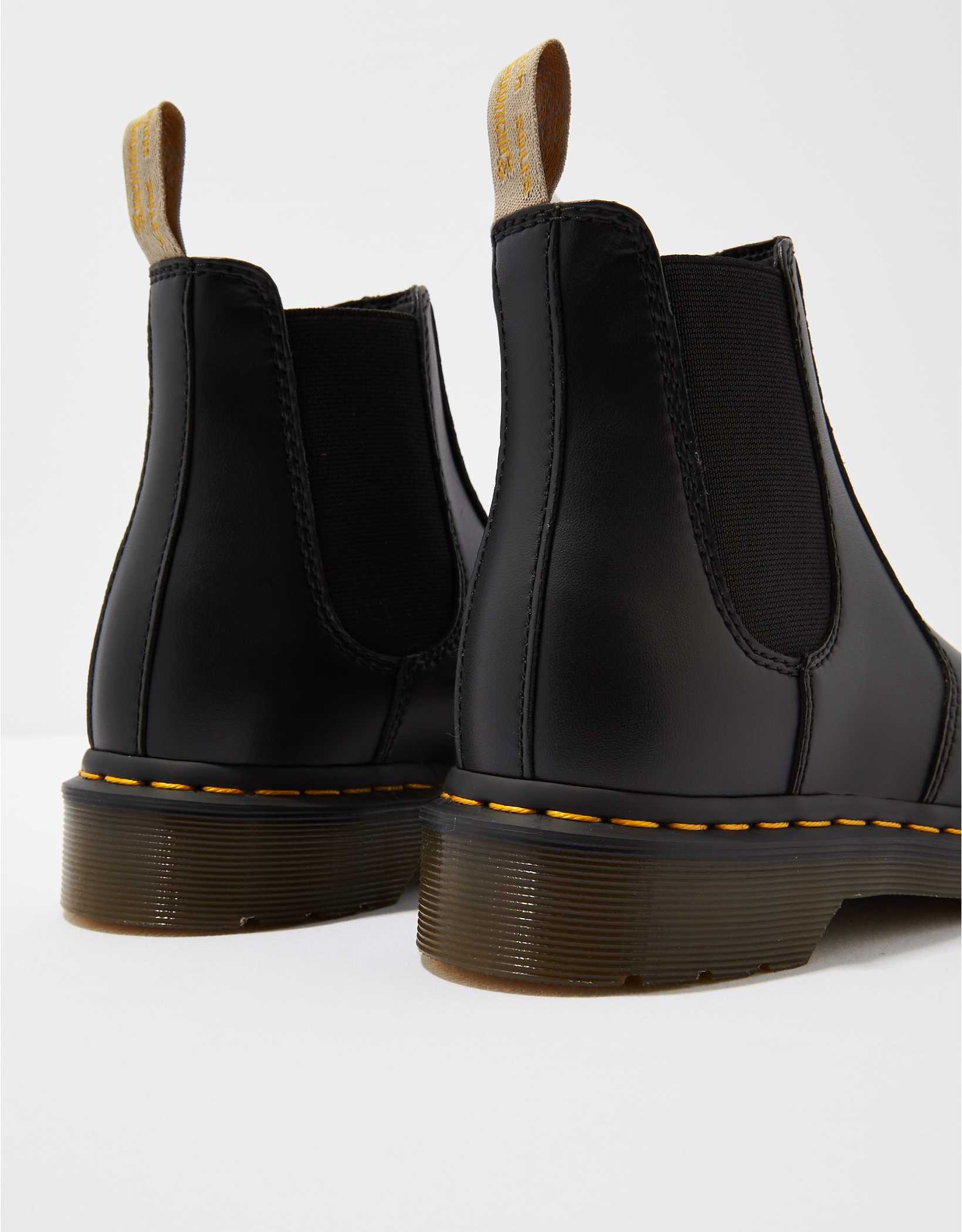 Dr. Martens 2976 Vegan Chelsea Boot