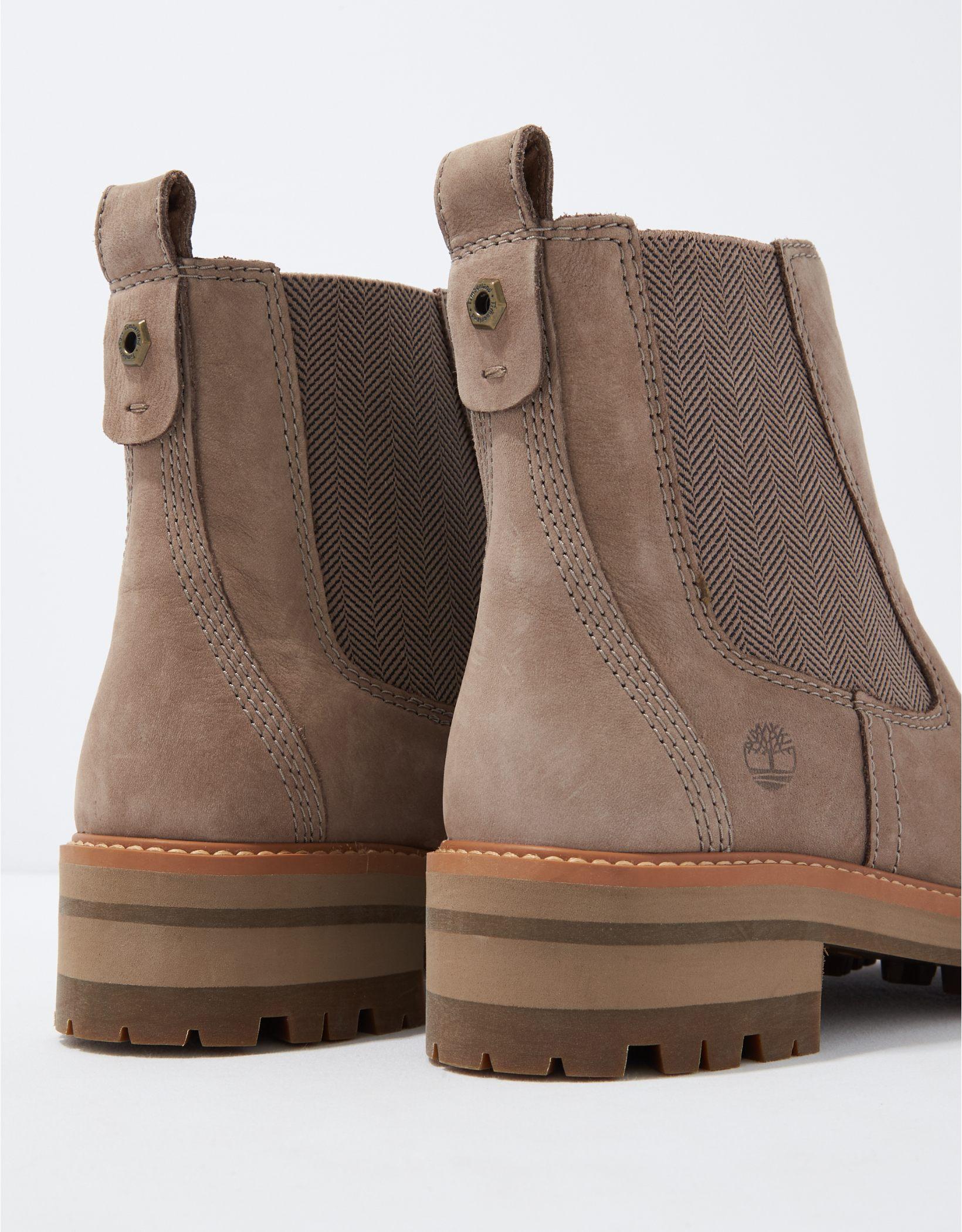 Timberland Women's Courmayeur Valley Chelsea Boot