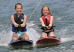 020614_Two_Girls_2girlkneeboard