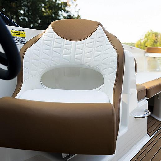 VR6 Helm Seat