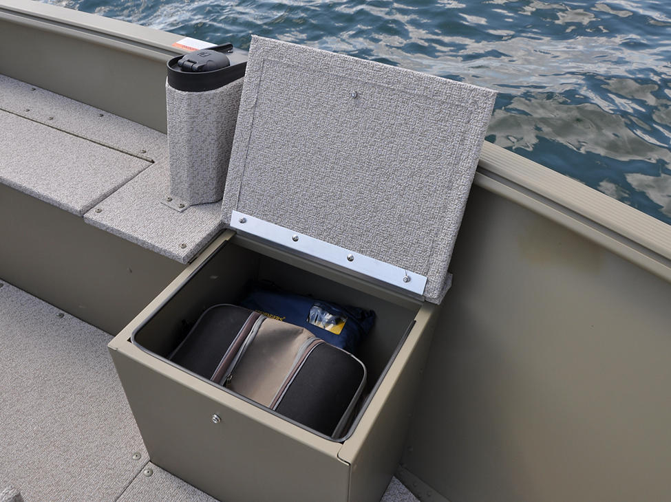 1600-1800-Alaskan-Port-Bow-Storage-Compartment