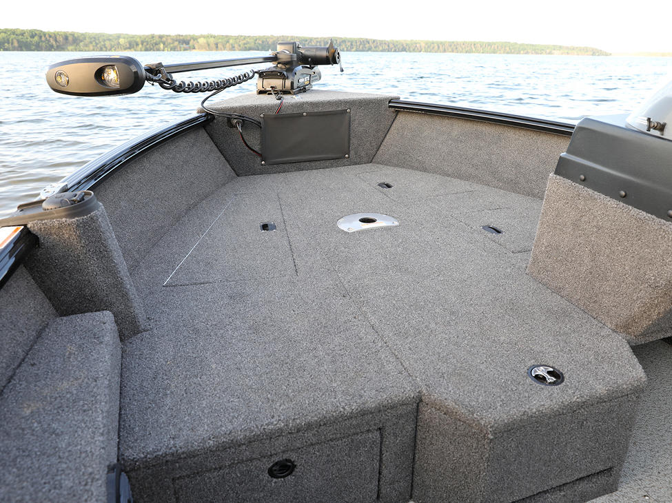 1675 Impact XS SS Bow Storage Compartments Closed