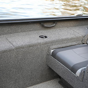 1675 Impact XS Starboard Cooler Compartment Closed