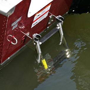 1675-1775-Pro-Guide-Boarding-Ladder-Deployed