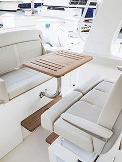 350 Realm-Interior