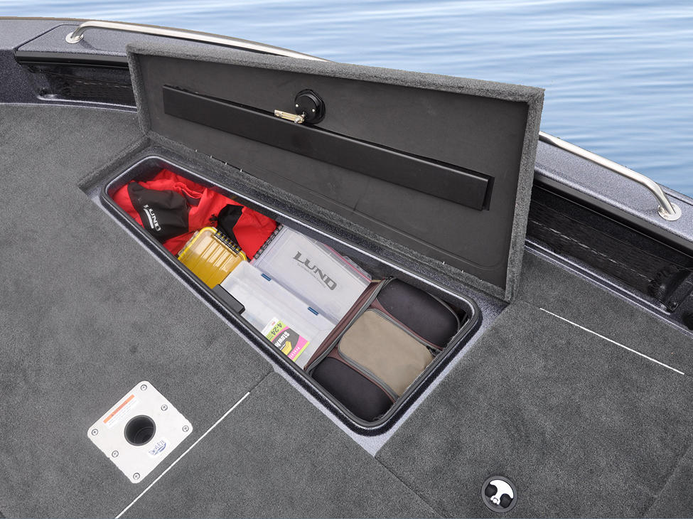 219-Pro-V-GL-Bow-Deck-Starboard-Storage-Compartment