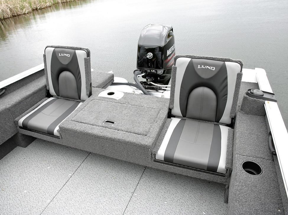 Adventure-SS-and-Sport-Aft-Deck-Jump-Seats-Open.jpg