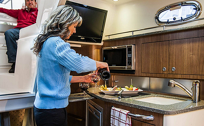BW_315-pilothouse-cabin-cruiser-kitchen