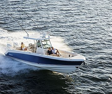 Boston Whaler debuts the confident new 330 Outrage